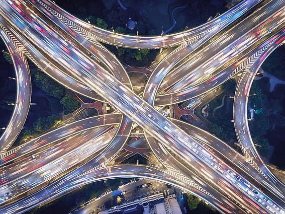 /data/www/ctec-live/application/public/media/images/blogimages/49928_Aerial_view_of_Shanghai_Highway_at_Night__lpr.jpg